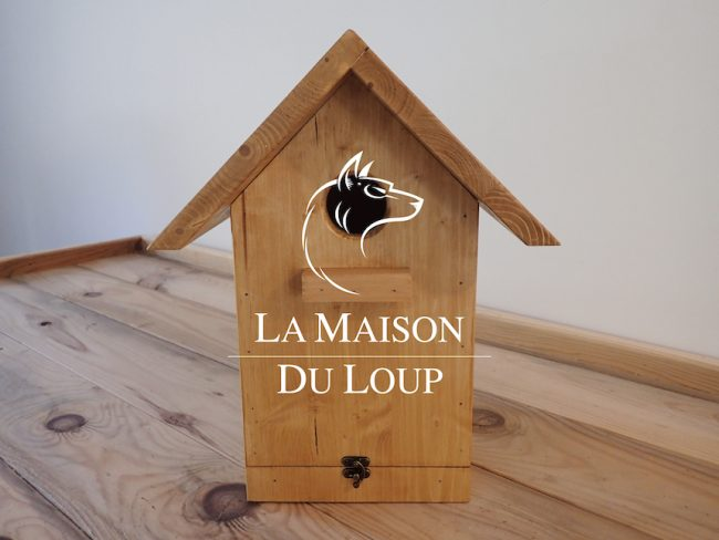 Birdhouse for small birds, solid wood - Maison du Loup