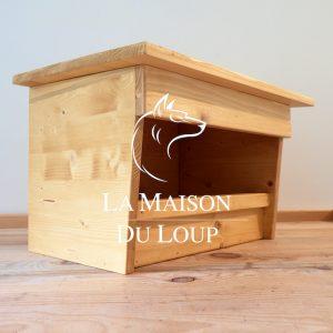Image de nichoir pour Faucon crécerelle fabriqué par Maison du Loup, couleur chêne clair.