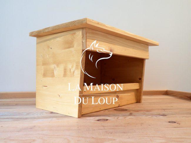 Obrázek ptačí budky pro poštolku, vyrobená Maison du Loup, barva světlehnědá